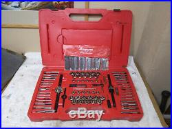 Snap on TDTDM117A Tap &Die set, Extractor Set 117 piece set Standard And Metric